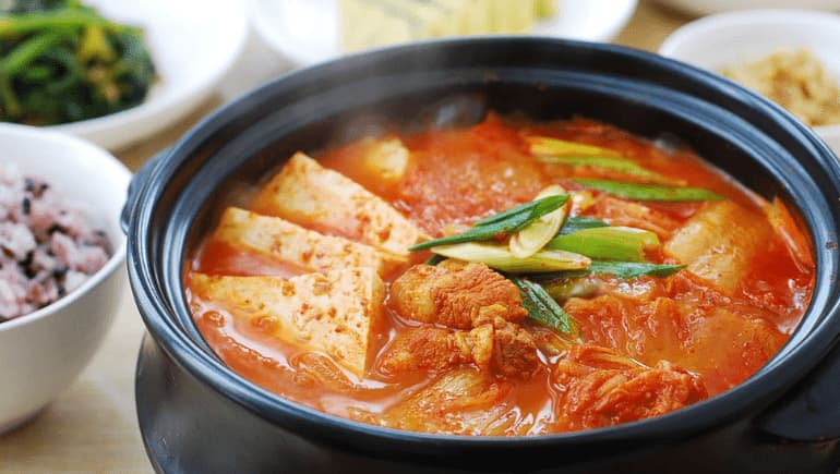 kimchi, 7 platos a base de kimchi para probar en Corea del Sur