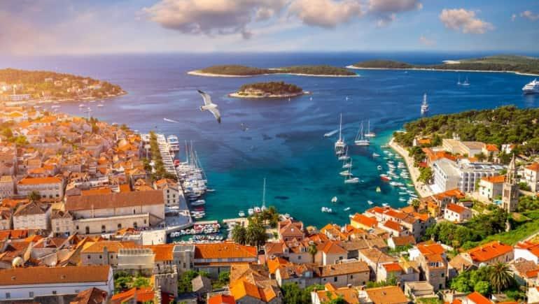Hvar, una de las islas dálmatas más bonitas