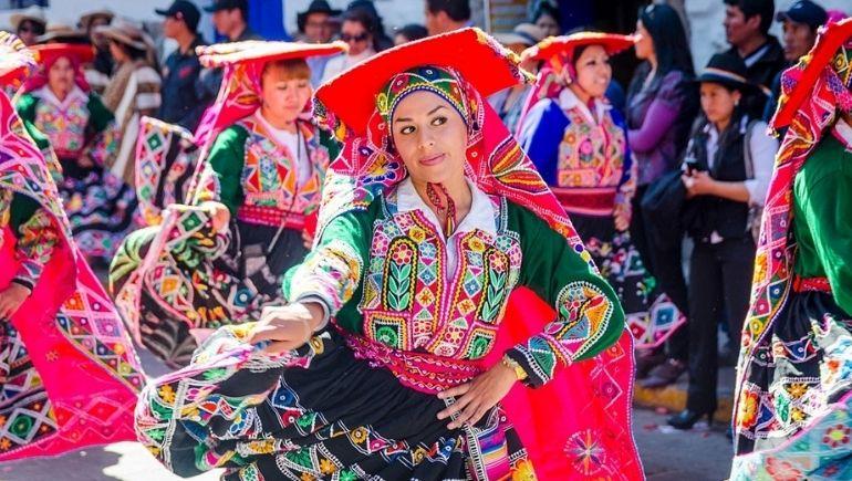 Inti Raymi - Danza y vestimenta