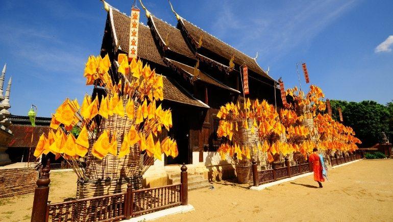 Wat Phan Tao, un templobudista de Tailandia