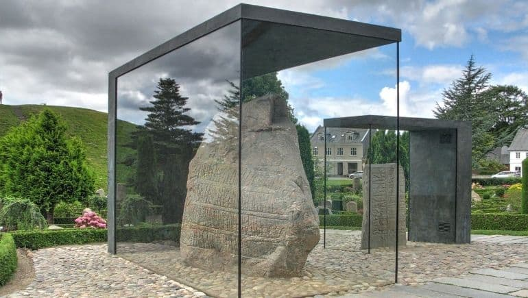 Monumentos de Dinamarca - Piedras rúnicas