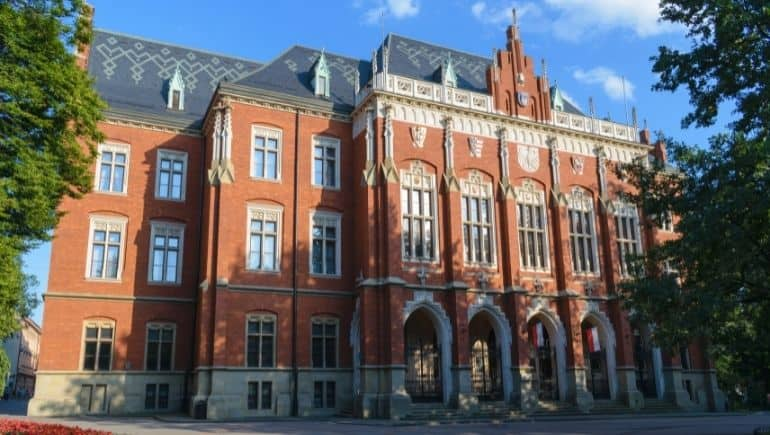 curiosidades de Polonia universidad