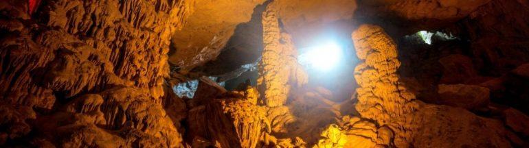 Bahía de Ha Long cuevas