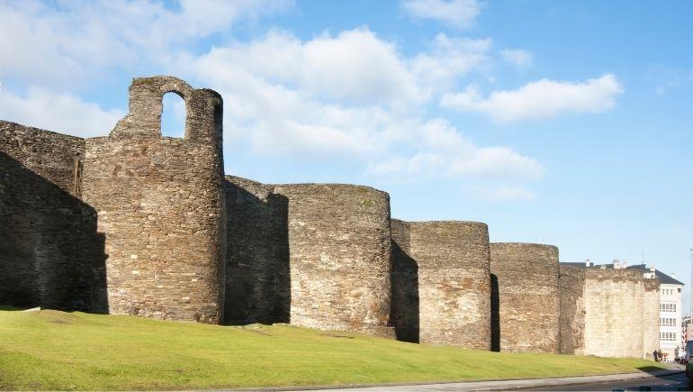 Monumentos romanos: muralla de Lugo