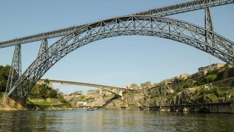 Puente María Pía, el puente de Eiffel en Oporto