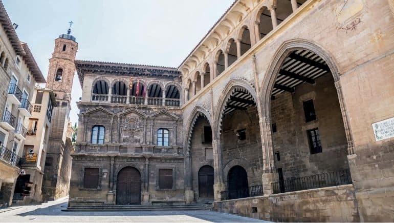 Casa Consistorial y Lonja de Alcañiz