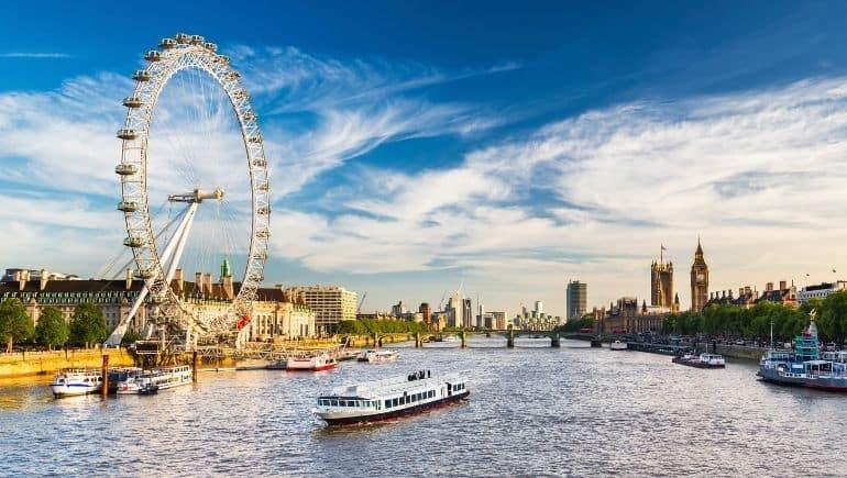 La noria de Londres sobre el Támesis