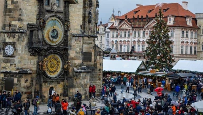 Reloj astronómico de Praga en Navidad