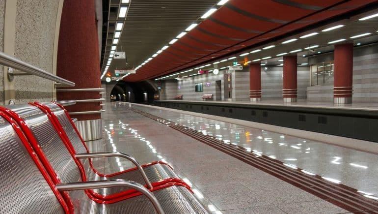 andén del metro de Atenas