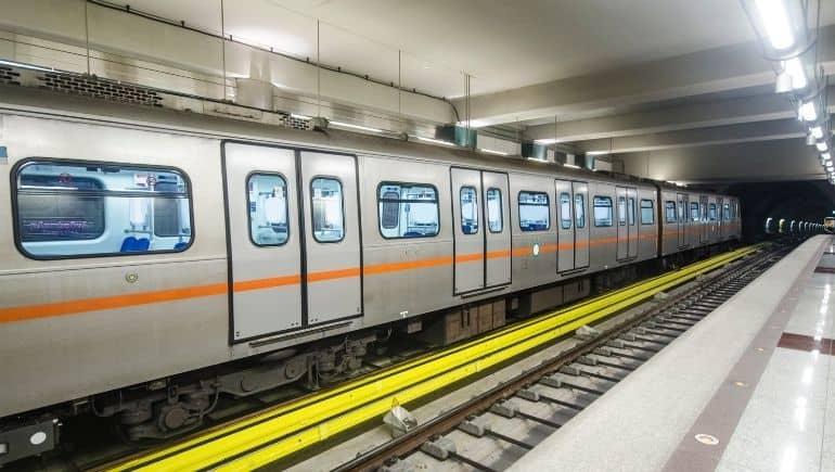 tren metro de Atenas